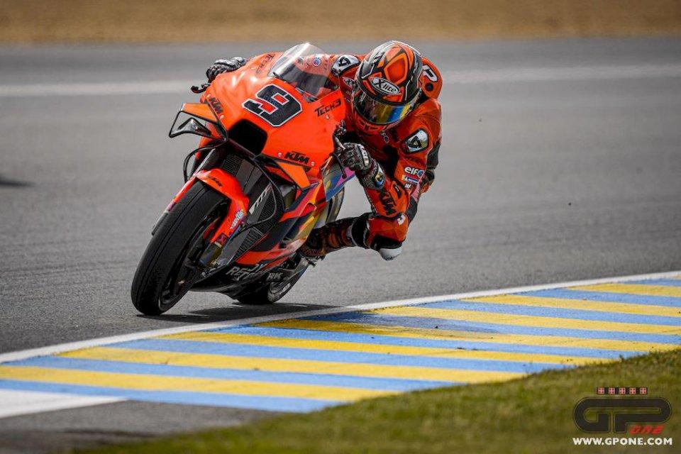 MotoGP: Petrucci comanda il WarmUp bagnato di Le Mans, risale Bagnaia, è 4°
