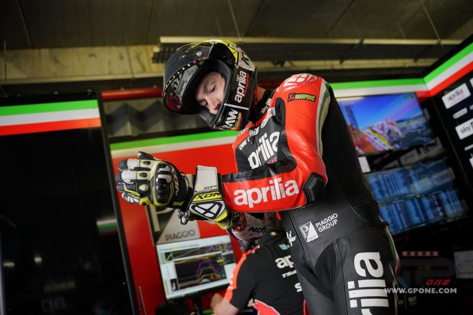 """MotoGP: Aleix Espargarò: """"They drained a can-full of fluid from my arm."""""""