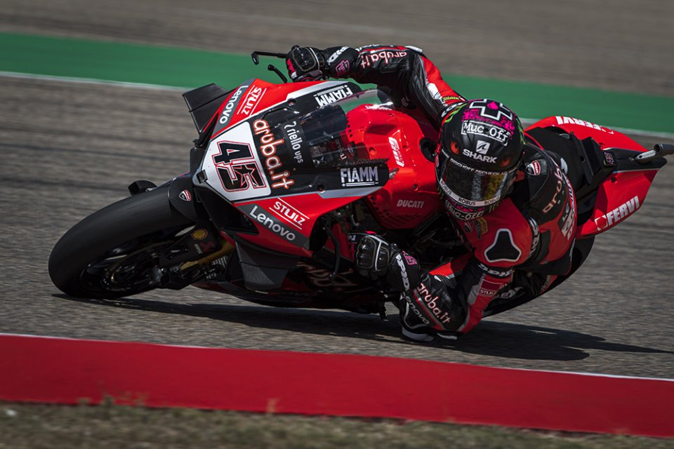 """SBK: Redding: """"Tires without grip and totally worn. Another lap, and I would've pulled out."""""""