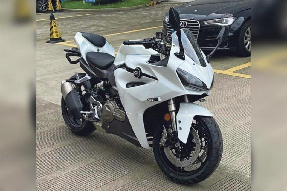 Moto - News: Benelli, la sportiva da 550 cc è pronta! Ecco la prima foto