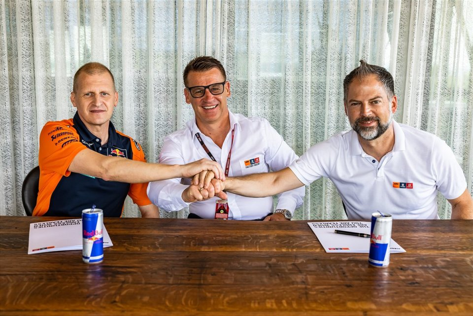 Moto2: Red Bull KTM and Aki Ajo renew the relationship for five more years