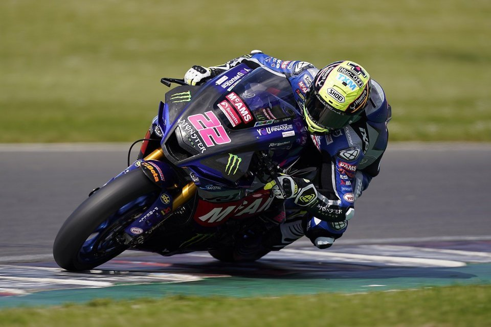SBK: BSB Donington Test: Yamaha record, 12 riders in one second