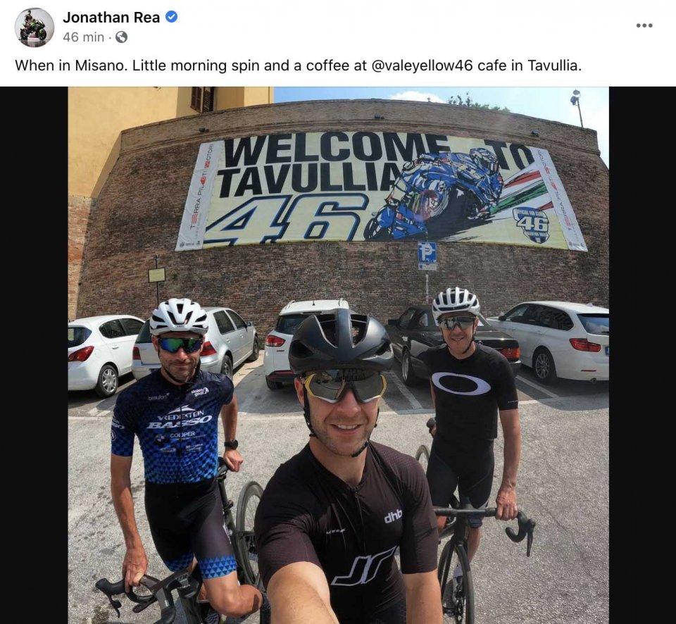 SBK: Jonathan Rea a Misano si è allenato in bici, destinazione Tavullia