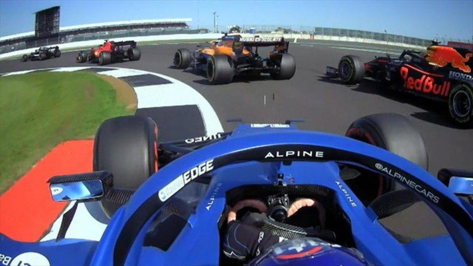 Auto - News: VIDEO - Alonso Show: da 11° a 5° nel primo giro a Silverstone