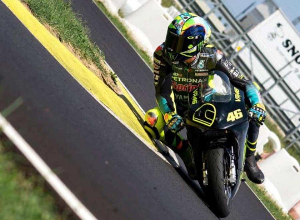 MotoGP: Austria calls: Valentino Rossi goes mini in Cattolica!