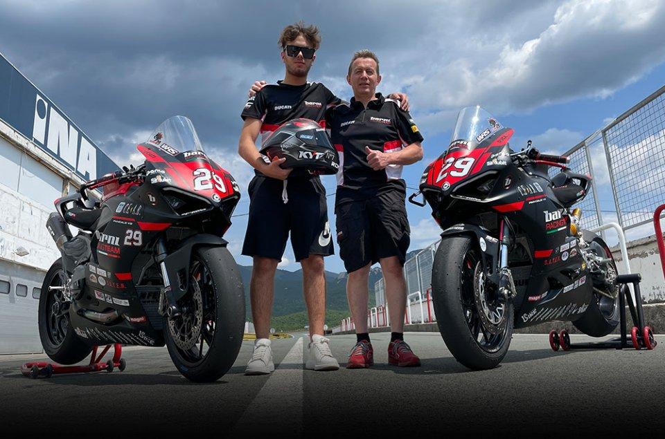 SBK: Barni e Spinelli preparano il debutto in SuperSport con la Ducati V2