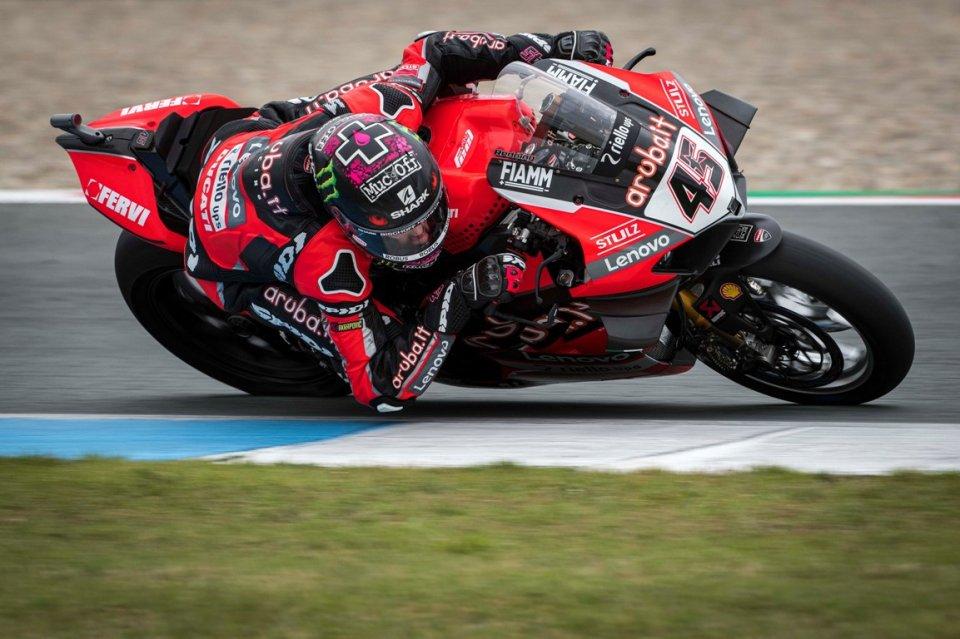 SBK: Redding e la Ducati da record nella FP3, Rea a oltre mezzo secondo
