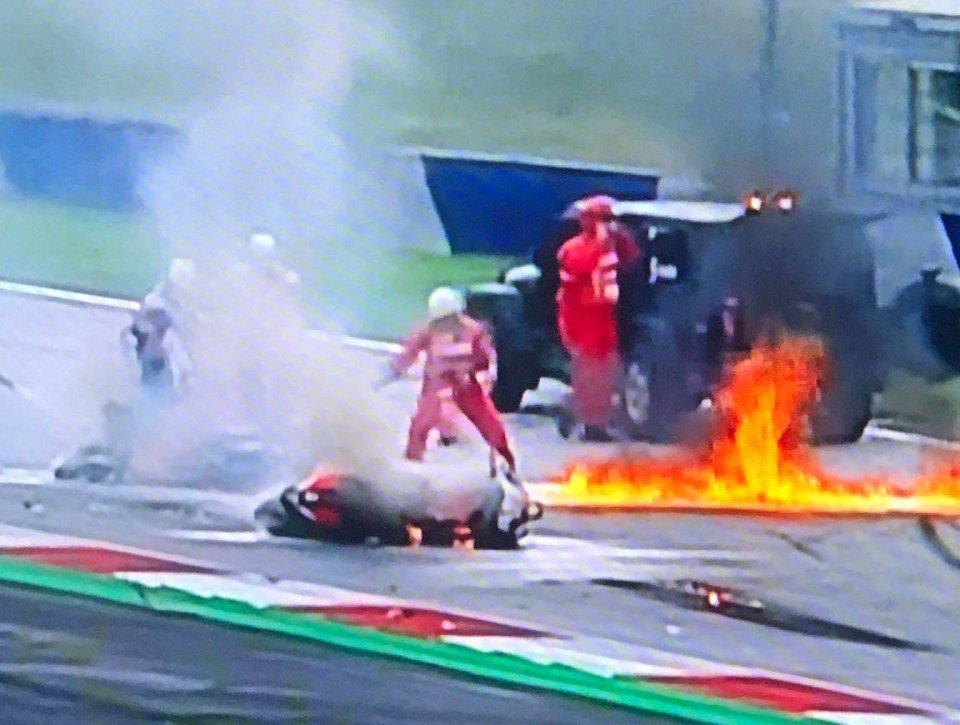 MotoGP: VIDEO Le immagini della KTM di Pedrosa e dell'Aprilia a fuoco al Red Bull Ring