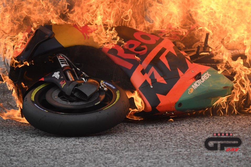 MotoGP: KTM e Aprilia in fiamme al Red Bull Ring: due milioni di Euro in fumo