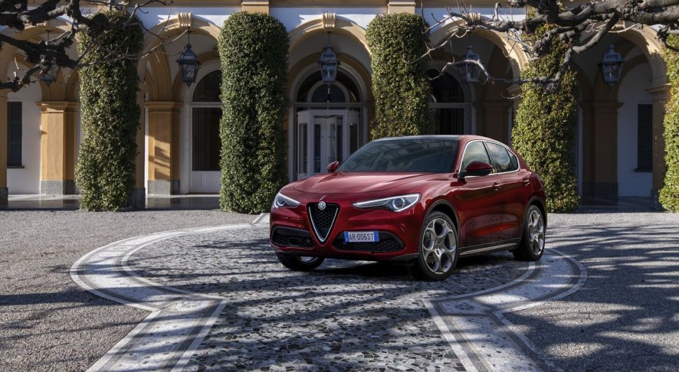 """Auto - News: Alfa Romeo Stelvio """"6C Villa d'Este"""": il massimo dell'eleganza"""