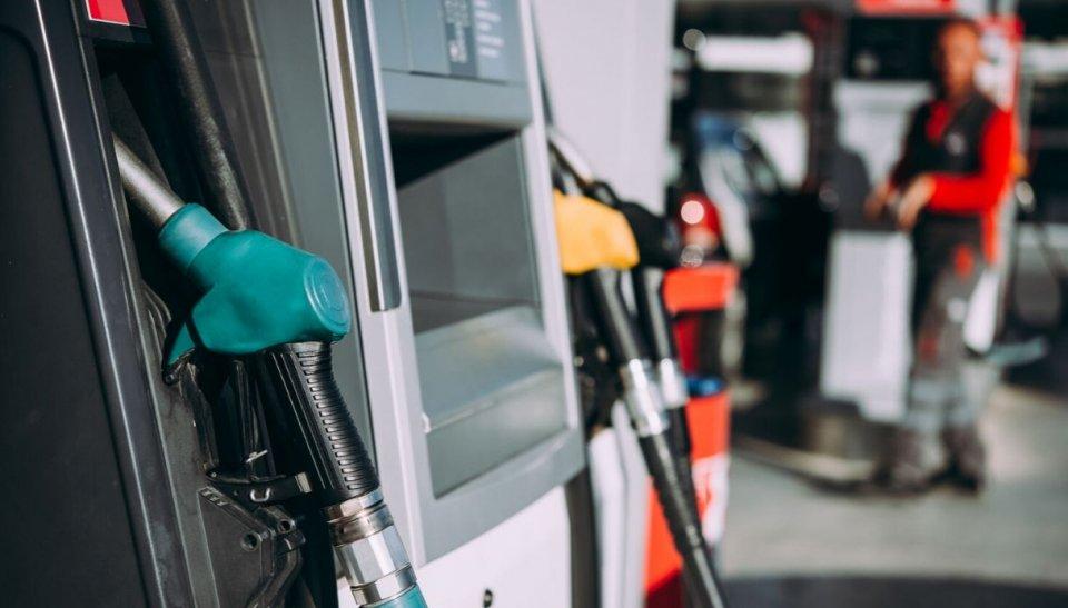 Auto - News: Benzina: ancora aumenti, ma potrebbe salire di nuovo