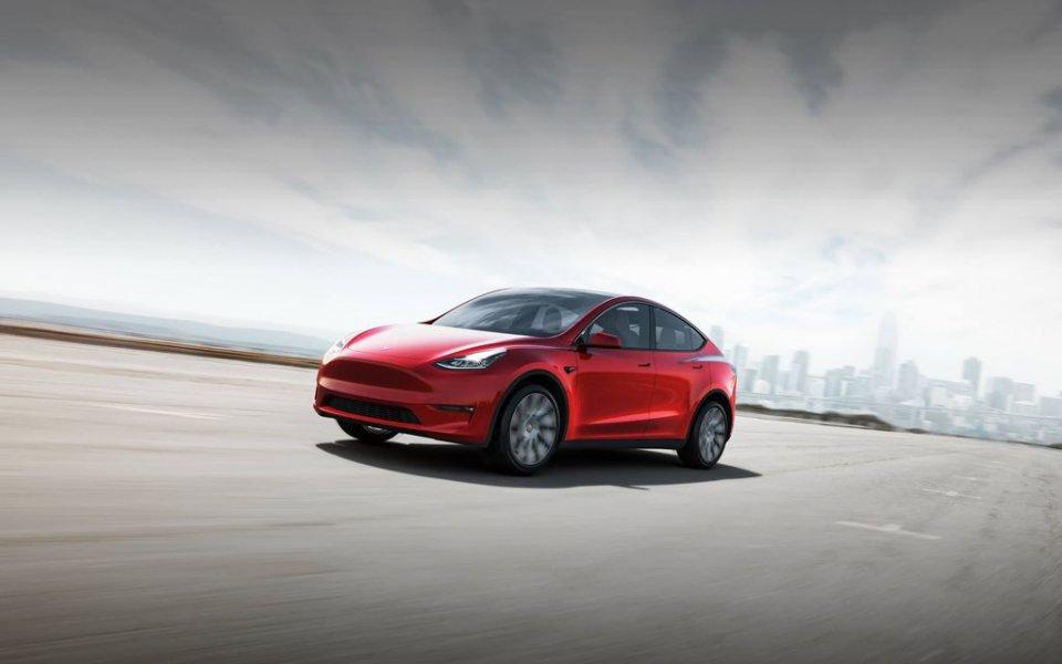 Auto - News: Tesla: raggi laser al posto dei tergicristalli, è (quasi) realtà