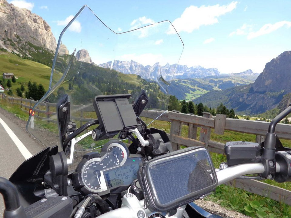 Moto - News: Dolomiti: i passi saranno presto a traffico limitato