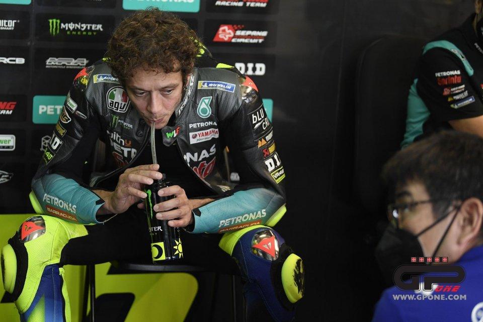 """MotoGP: Rossi: """"Bagnaia ha vinto una gara da 10 e lode, sono orgoglioso di lui"""""""