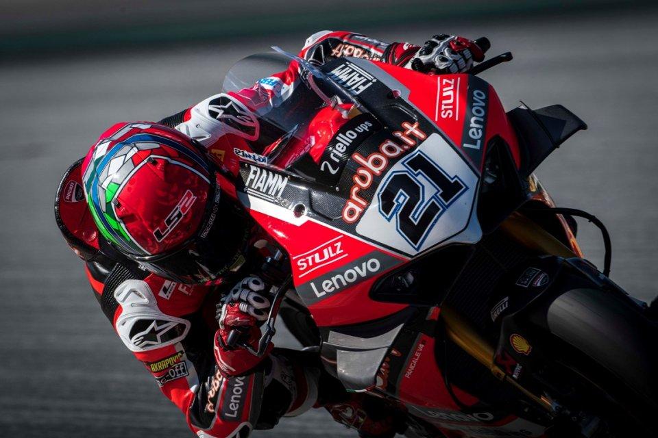 SBK: Ducati bestiale a Barcellona: Rinaldi vince Gara 2 davanti a Toprak, 6° Rea