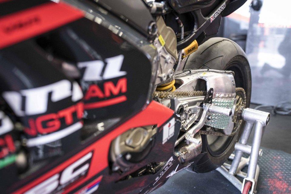 SBK: Barni in aiuto di Rabat: nuovo forcellone sulla Ducati V4