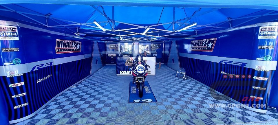 SBK: Il team di Vinales ha esposto la Yamaha R3 in memoria di Dean Berta