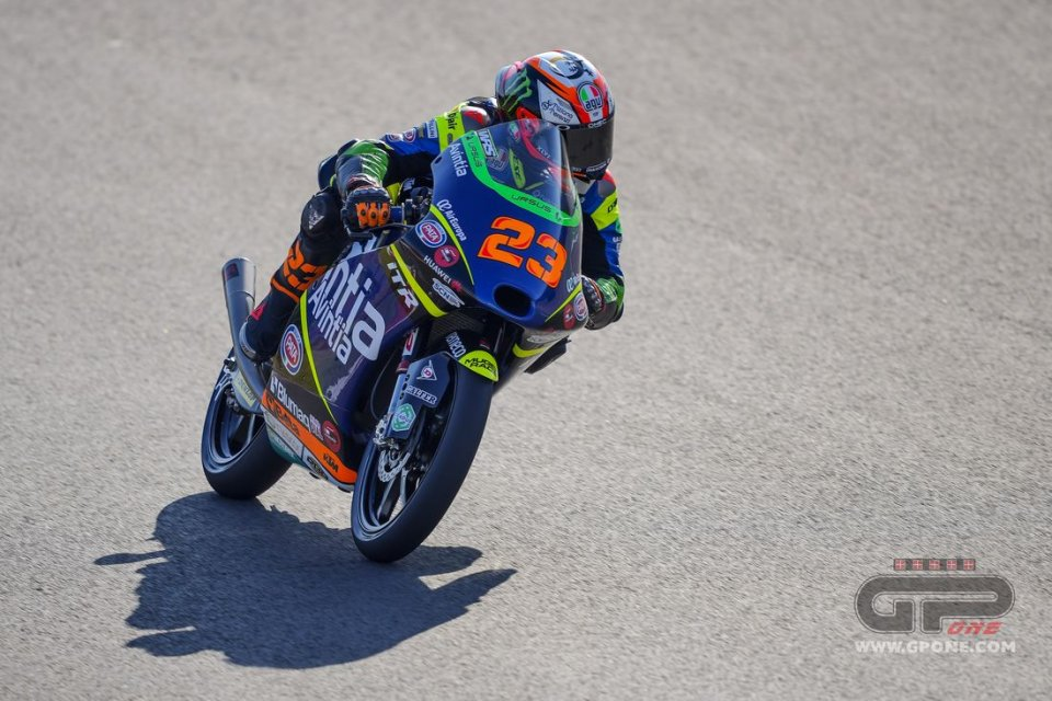 Moto3: Antonelli comanda le fredde FP1 a Jerez, segue Rodrigo