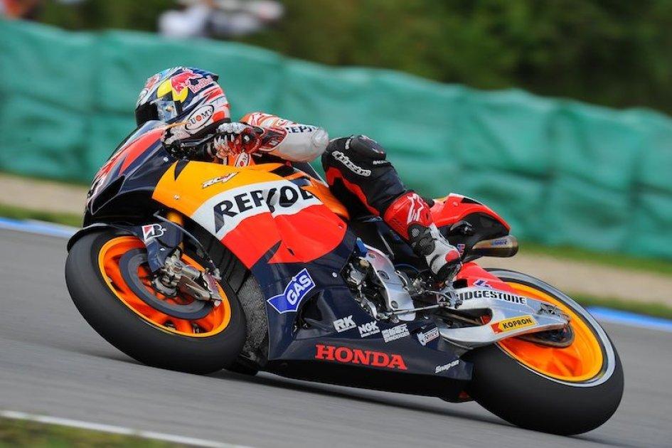 Warmup MotoGP: Dovi 1°, Rossi penultimo