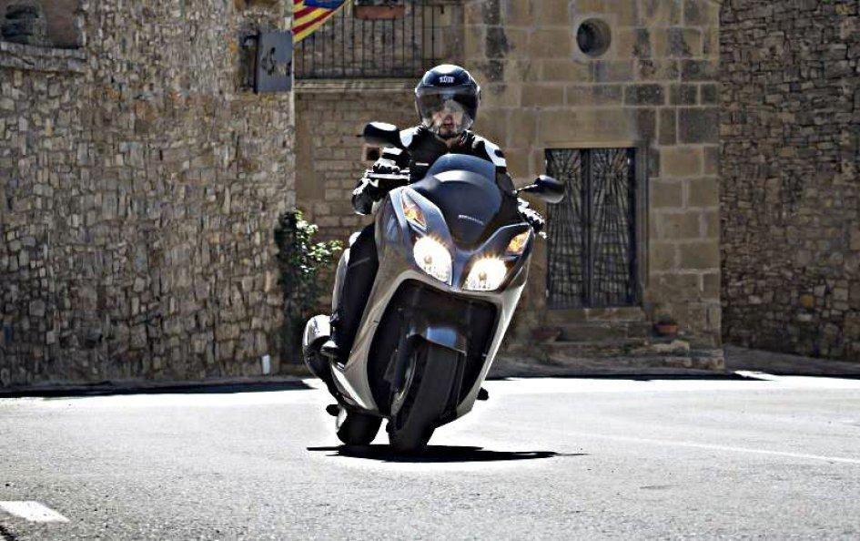 Honda Forza 300 - Comodo cittadino