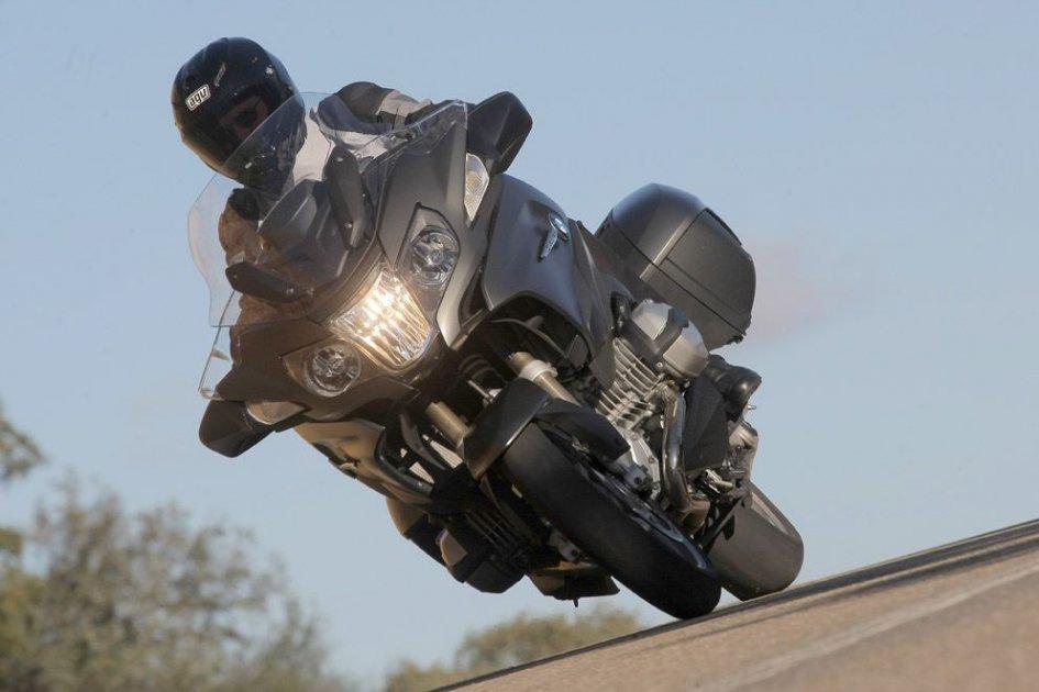 BMW R 1200 RT: moto leggera turismo pesante