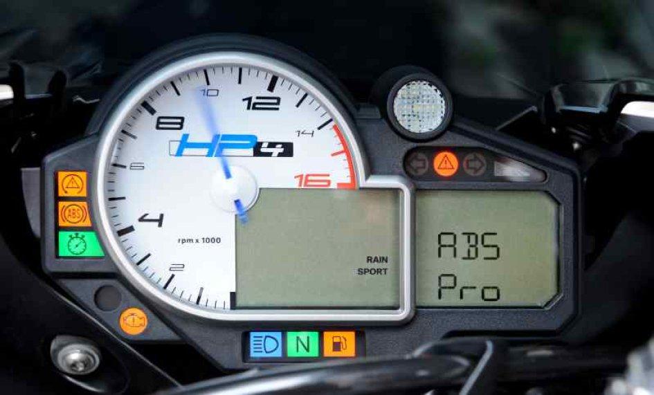 Pro: arriva l'ABS sportivo di BMW