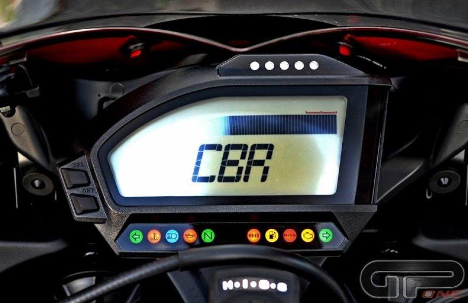 Honda CBR FireBlade: storia di una primadonna