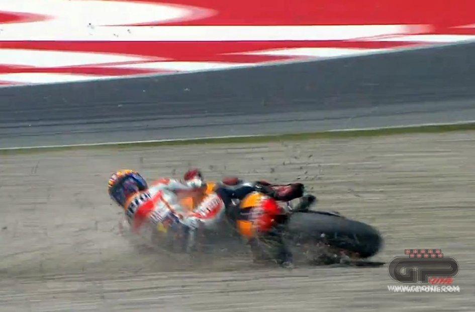 La caduta di Marquez a Barcellona