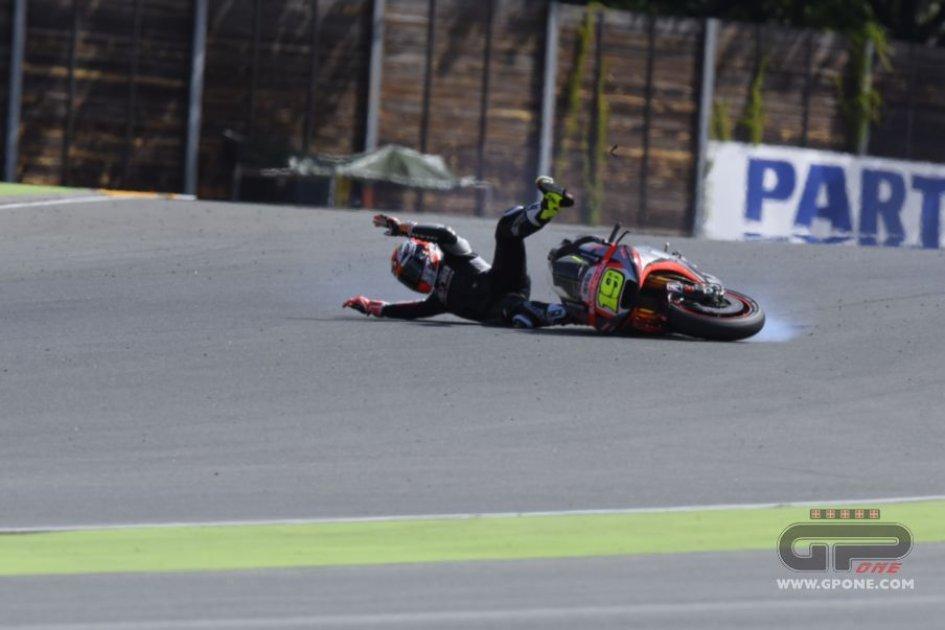 La caduta di Alvaro Bautista al Sachsenring