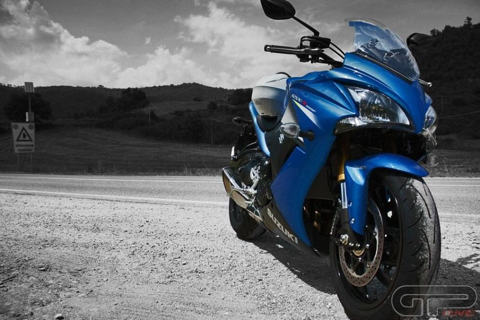 Suzuki GSX-S1000F: Sport da strada