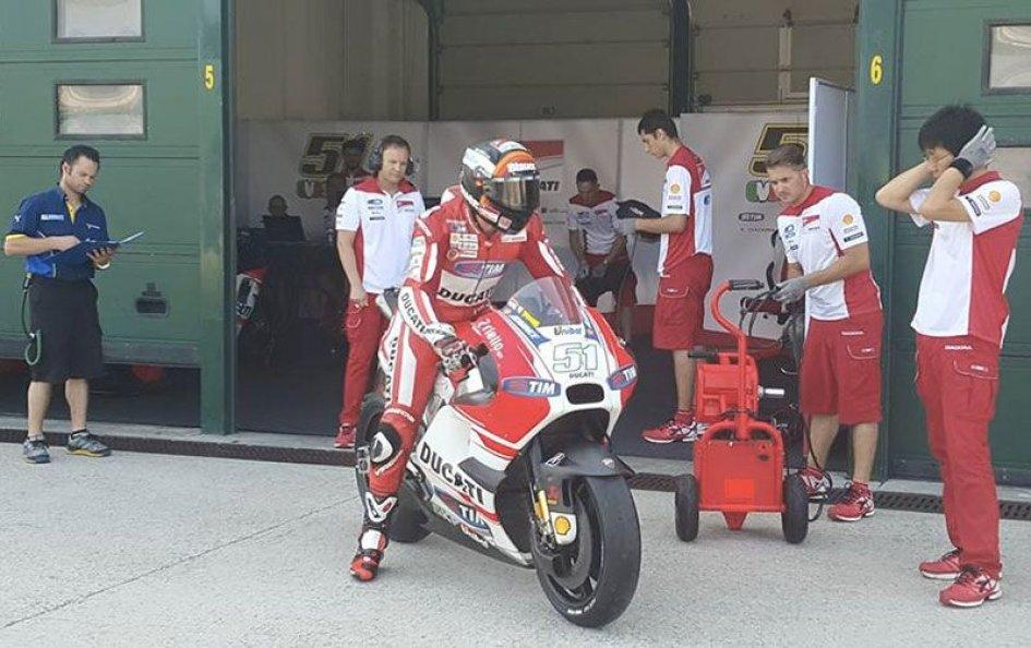 Pirro apre i test a Misano con le Michelin
