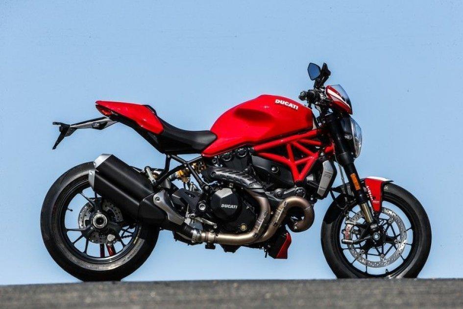 Ducati Monster 1200R: al cuore del super mostro