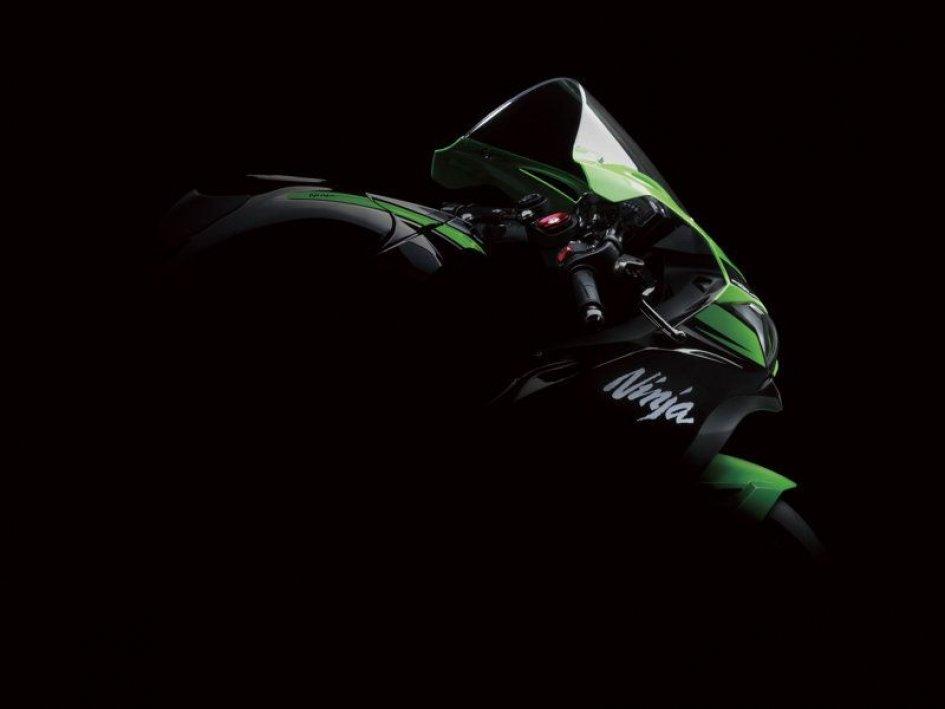 Kawasaki: la Ninja ZX-10R '16 pronta al debutto