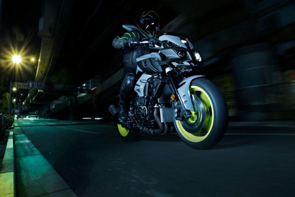 MT-10: Yamaha mostra la sua streetfighter