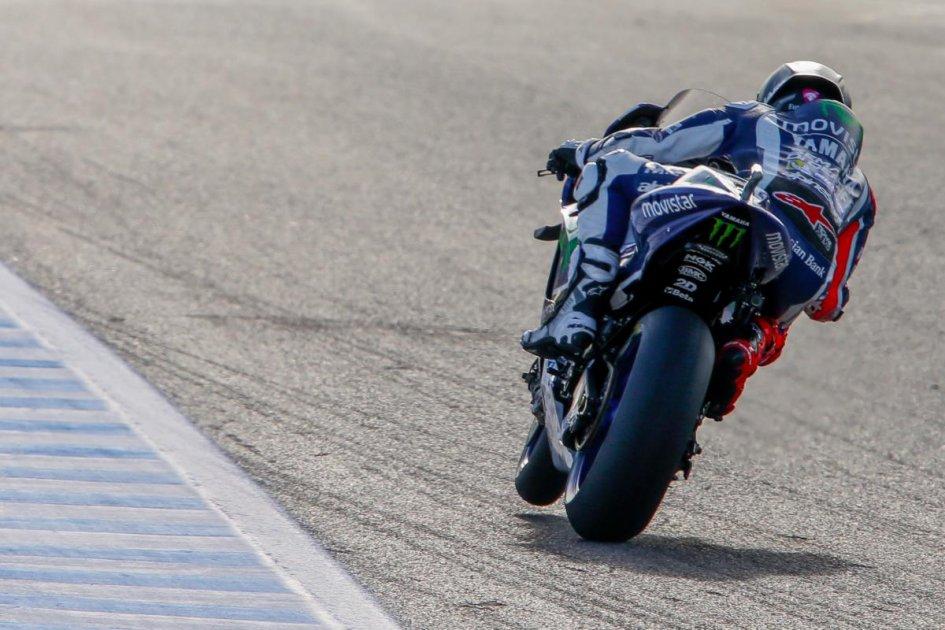 FP2: Lorenzo sets the pace at Jerez
