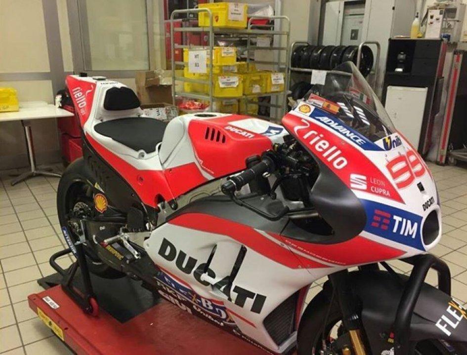 Ducati like F1: a 'masked' presentation
