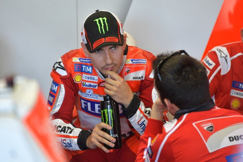 MotoGP: Lorenzo: Without wings I can't yet ride as I want to