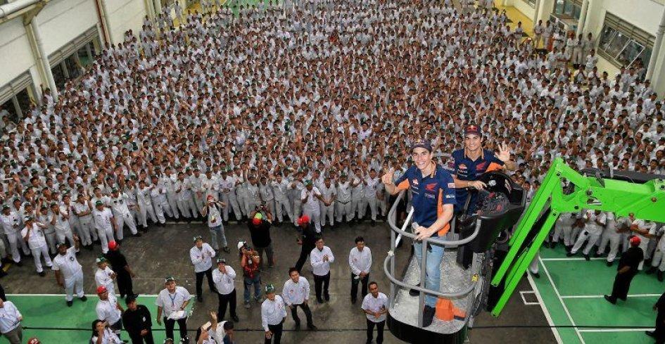 MotoGP: Marquez e Pedrosa, dalla pista alla catena di montaggio
