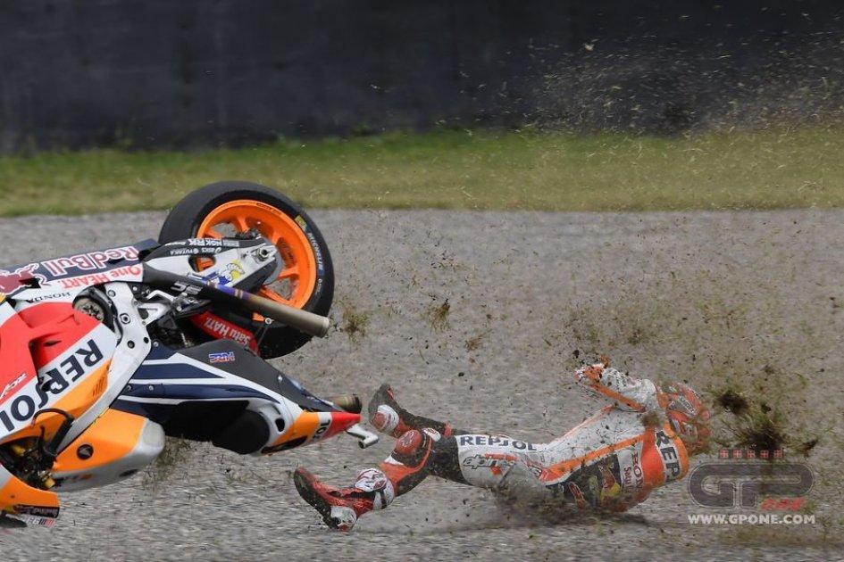 MotoGP: The crash of Marc Marquez in Argentina
