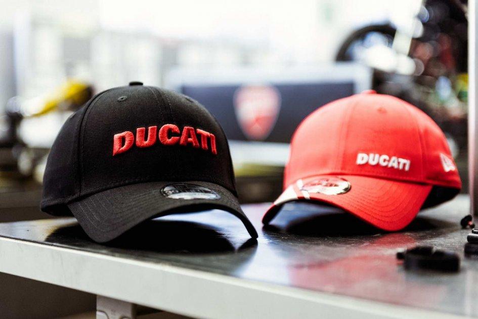 News Prodotto  Ducati e New Era   quot mettetevelo... ... ed8e6c61ed07