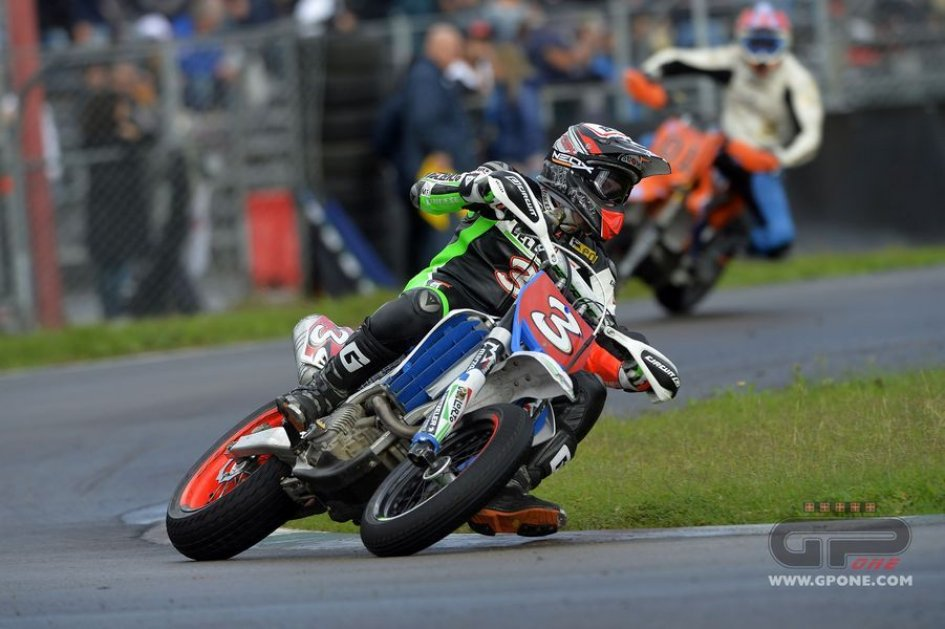 Sbk max biaggi has undergone thoracic drainage gpone sbk max biaggi has undergone thoracic drainage thecheapjerseys Choice Image