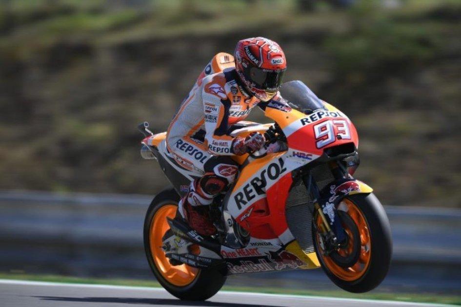 Gp di Aragon, trionfa Marquez davanti a Pedrosa: Rossi quinto, Dovizioso 7°