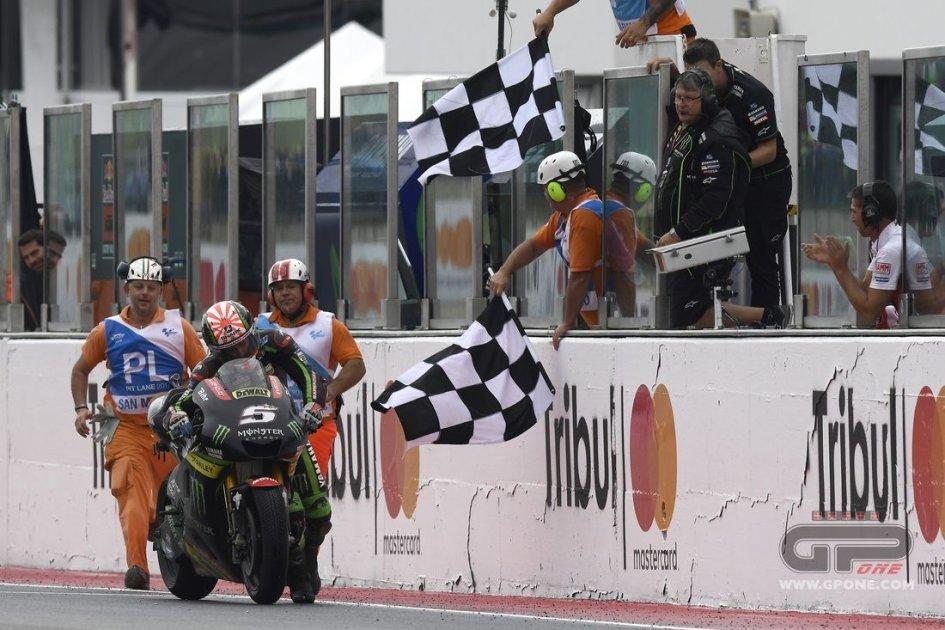 MotoGP: Zarco senza benzina: spinge la moto fino al traguardo