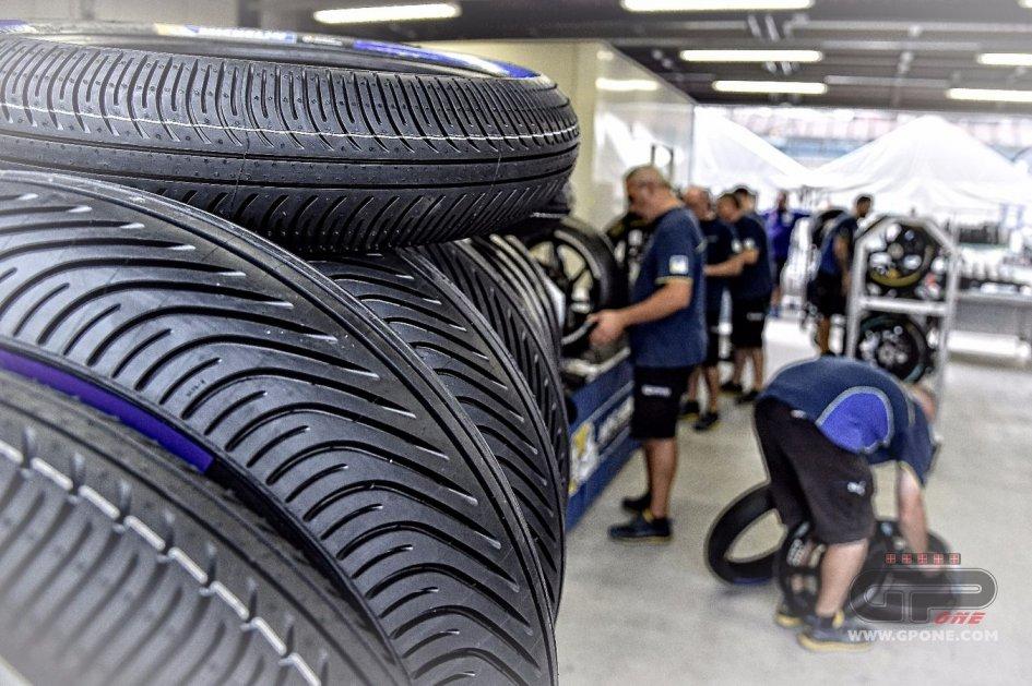 MotoGP, Michelin ritira la gomma morbida anteriore da bagnato ...