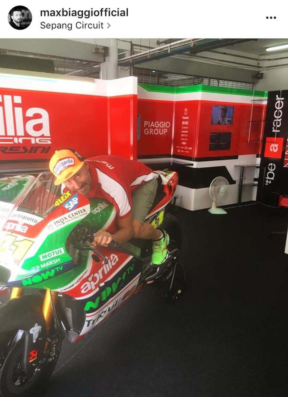 MotoGP: Max Biaggi a Sepang sale sull'Aprilia MotoGP