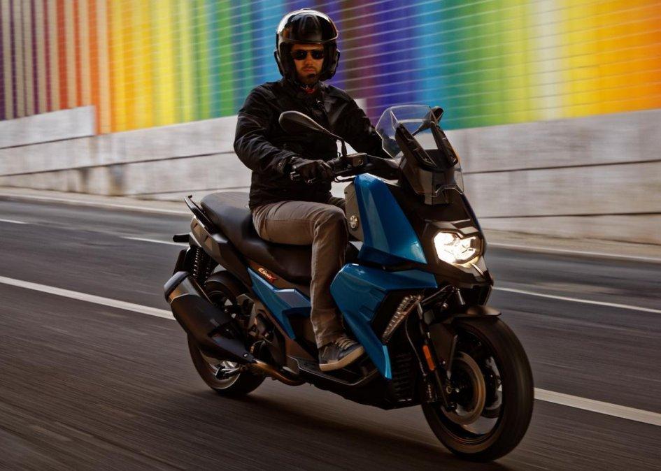 Scooter: BMW C 400 X: lo scooter che fa l'occhiolino alla GS