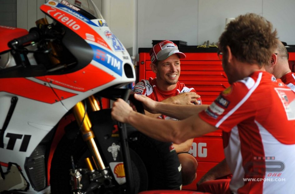 MotoGP: Malaysia, Stoner leads the 'magnificent 10' test riders at Sepang