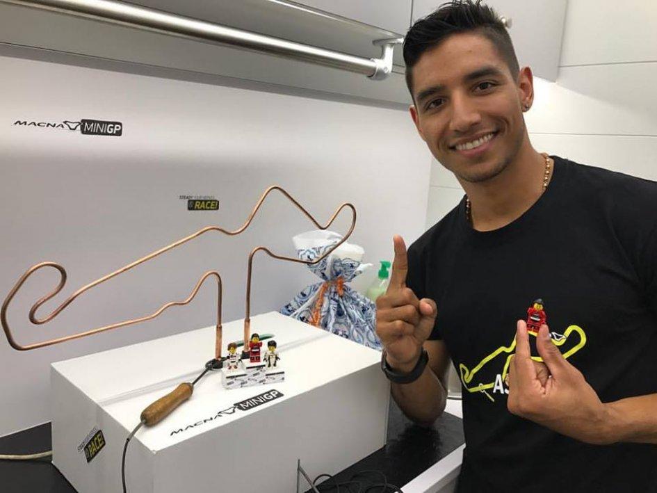 MotoGP: Yonny Hernandez con la Yamaha Tech3 ai test di Sepang