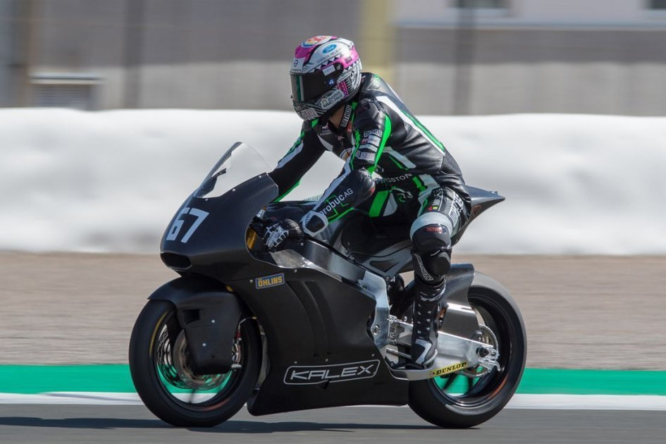 Moto2: Kalex prototype with Triumph engine: successful first rollout
