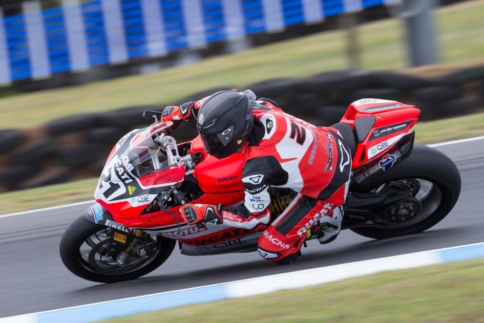 SBK: Bayliss, 48 years young: 3rd in qualifying at Phillip Island